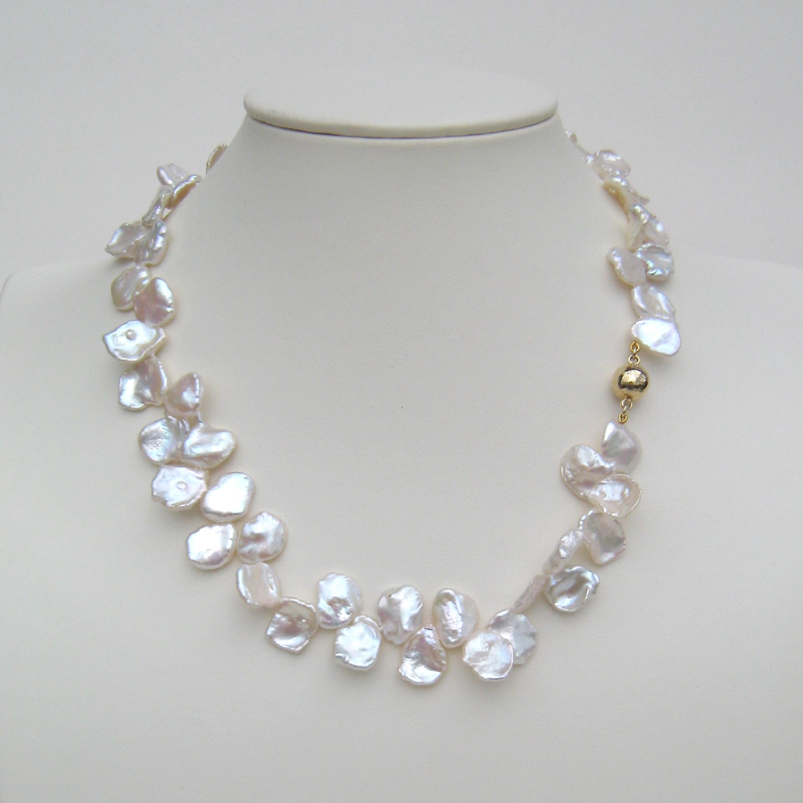 Keshi Pearl Necklace: Keshi Pearl Necklace With 18 Carat Yellow Gold Magnetic